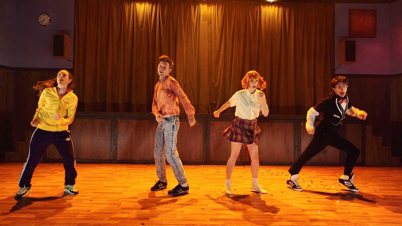 Amber theatre fun - 3 8